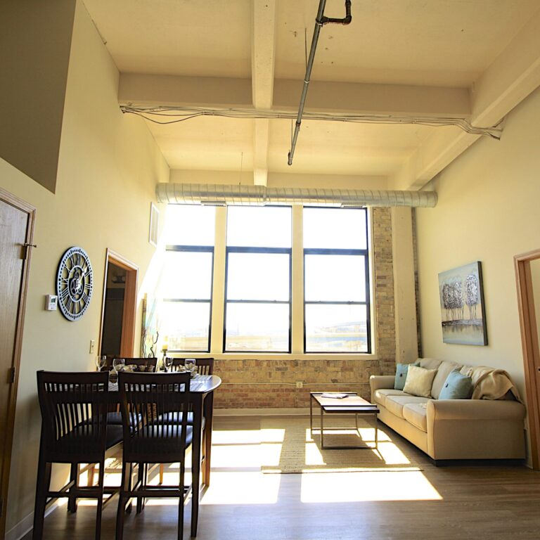 700 lofts, loft apartments in milwaukee, milwaukee lofts